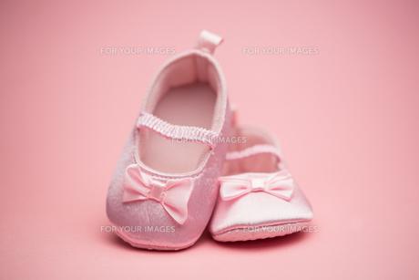 Pink baby bootiesの素材 [FYI00488556]