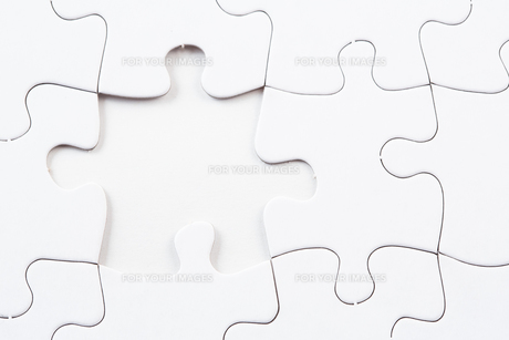 Jigsaw puzzle with missing pieceの写真素材 [FYI00488565]