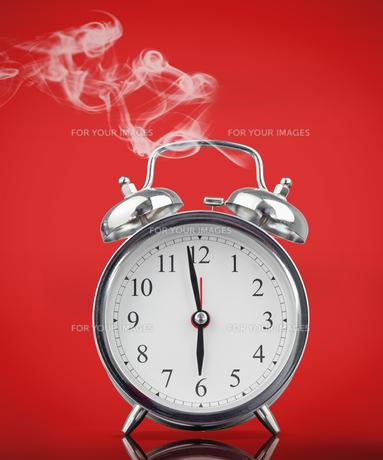 Smoking hot alarm clockの素材 [FYI00488597]