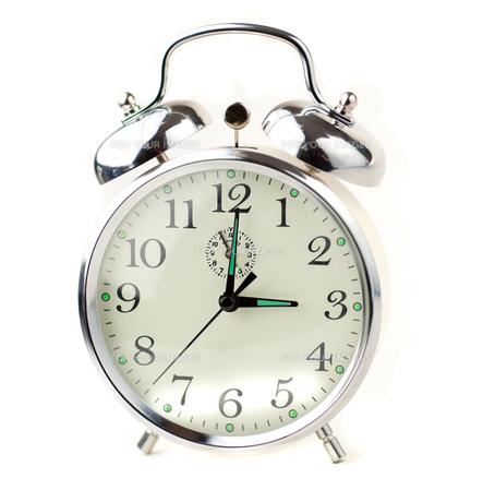 Alarm Clock isolated on white backgroundの素材 [FYI00488648]