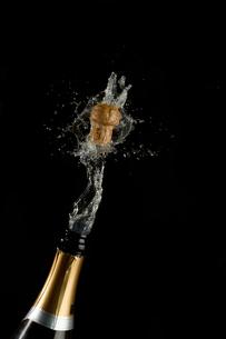Champagne cork poppinsの写真素材 [FYI00488671]