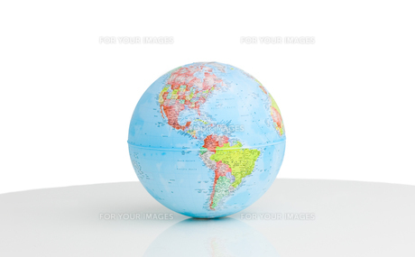 Close up of a terrestrial globeの写真素材 [FYI00488816]