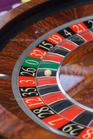 Roulette wheel stoppingの写真素材 [FYI00488903]