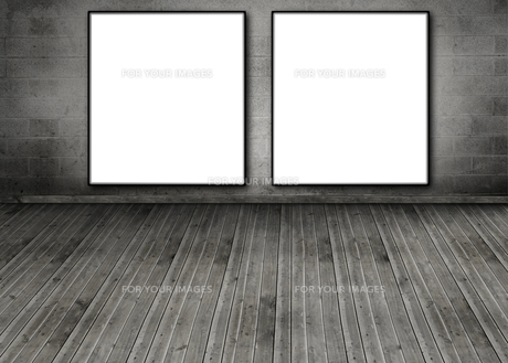 Two white copy space posters hung on a brick wallの素材 [FYI00488922]