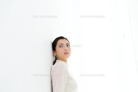 お洒落な女性の写真素材 [FYI00490371]