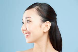肌の綺麗な女性の写真素材 [FYI00491013]