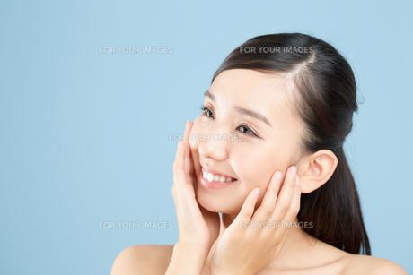 肌の綺麗な女性の写真素材 [FYI00491036]