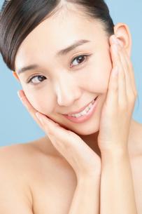 肌の綺麗な女性の写真素材 [FYI00491039]