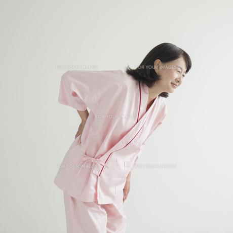 腰痛の患者の写真素材 [FYI00491244]