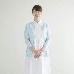 微笑む看護師の素材 [FYI00491259]