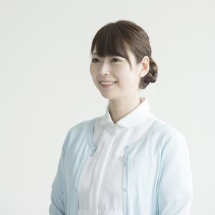 微笑む看護師の写真素材 [FYI00491439]