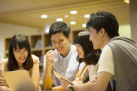 学生ミーティングの素材 [FYI00491540]