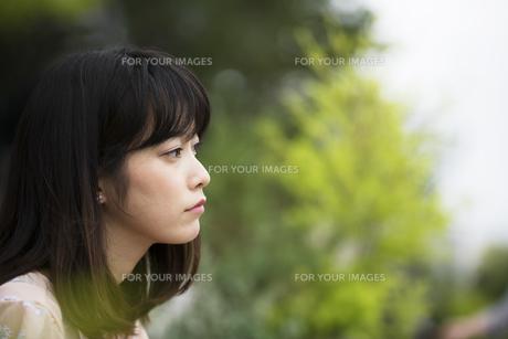 不機嫌な女性の素材 [FYI00491605]