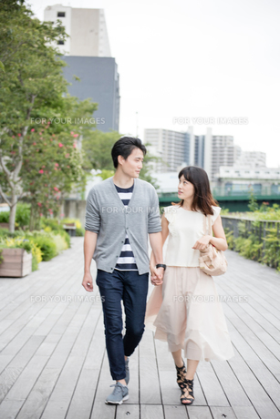 デートをするカップルの素材 [FYI00491658]