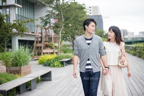デートをするカップルの素材 [FYI00491668]