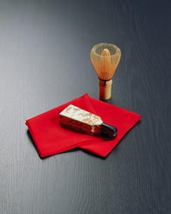 茶筅と羽子板のミニチュアの写真素材 [FYI00492726]