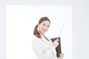 爽やかなビジネスウーマンの写真素材 [FYI00493413]