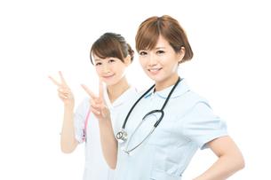 医療スタッフ二人の写真素材 [FYI00494641]