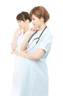 医療スタッフ二人の写真素材 [FYI00494644]