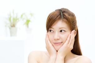 肌の綺麗な女性の写真素材 [FYI00495078]