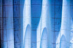 青い背景の写真素材 [FYI00495763]
