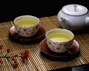 日本茶と急須の写真素材 [FYI00496098]
