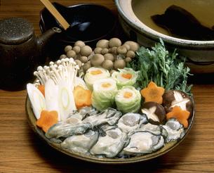 牡蠣鍋の具材の写真素材 [FYI00496111]