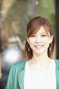 笑顔の女性の写真素材 [FYI00496276]
