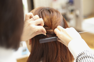 美容師の手元の写真素材 [FYI00496282]