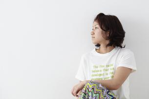 女性横顔 宮城県仙台市の写真素材 [FYI00496365]