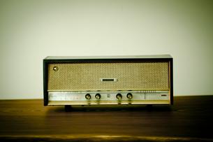 レトロなラジオの写真素材 [FYI00496485]
