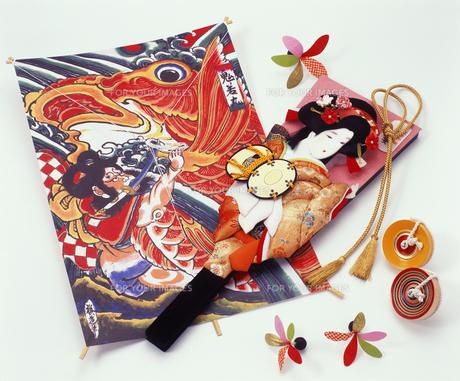 羽子板と独楽と凧の写真素材 [FYI00496735]