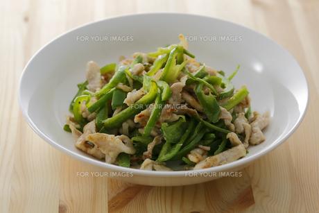 豚肉ピーマン炒めの素材 [FYI00497249]