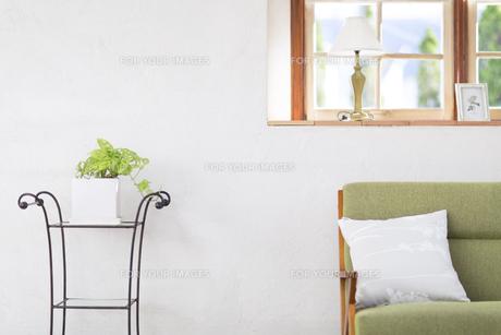 ソファーのある部屋の写真素材 [FYI00497280]