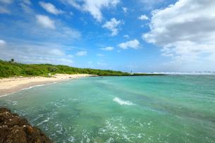 グアム島 南部のビーチの写真素材 [FYI00497497]