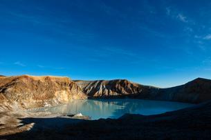草津白根火山の火口の写真素材 [FYI00497506]