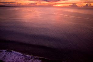 グアム島 恋人岬展望台より眺める太平洋の夕焼けの写真素材 [FYI00497546]