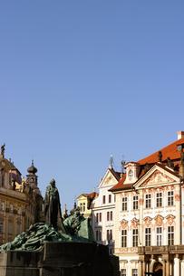 チェコ共和国プラハの街の彫刻の写真素材 [FYI00497585]
