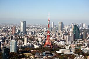 東京の街の空撮 東京タワー上空の写真素材 [FYI00497710]