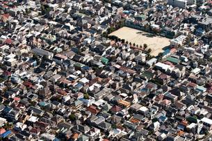 東京の街の空撮 住宅街上空の写真素材 [FYI00497723]