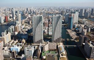 東京の街の空撮 勝どき上空の写真素材 [FYI00497726]