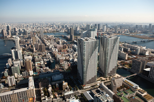 東京の街の空撮 勝どき上空の写真素材 [FYI00497727]