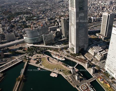 神奈川県 横浜港上空付近 空撮の写真素材 [FYI00497728]