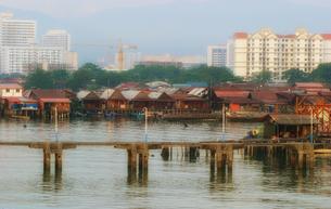 マレーシア ペナン島のジョージタウン入り口フェリー桟橋の写真素材 [FYI00497845]