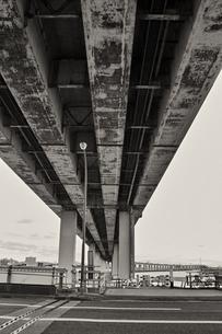 葛西橋、高速下の風景の写真素材 [FYI00497977]