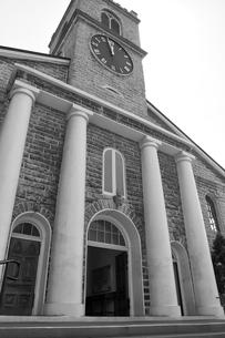 オアフ最古の由緒ある教会 カワイアハオ教会の写真素材 [FYI00498031]