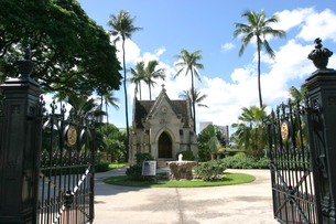オアフ最古の由緒ある教会 カワイアハオ教会敷地内のルナリロ王廟の素材 [FYI00498033]