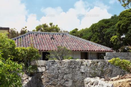 沖縄の家の素材 [FYI00498150]
