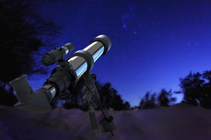 天体望遠鏡の写真素材 [FYI00498516]