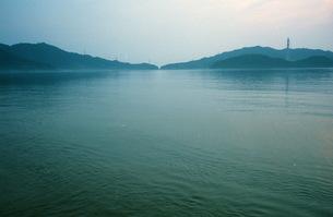 早朝、海1の写真素材 [FYI00499141]